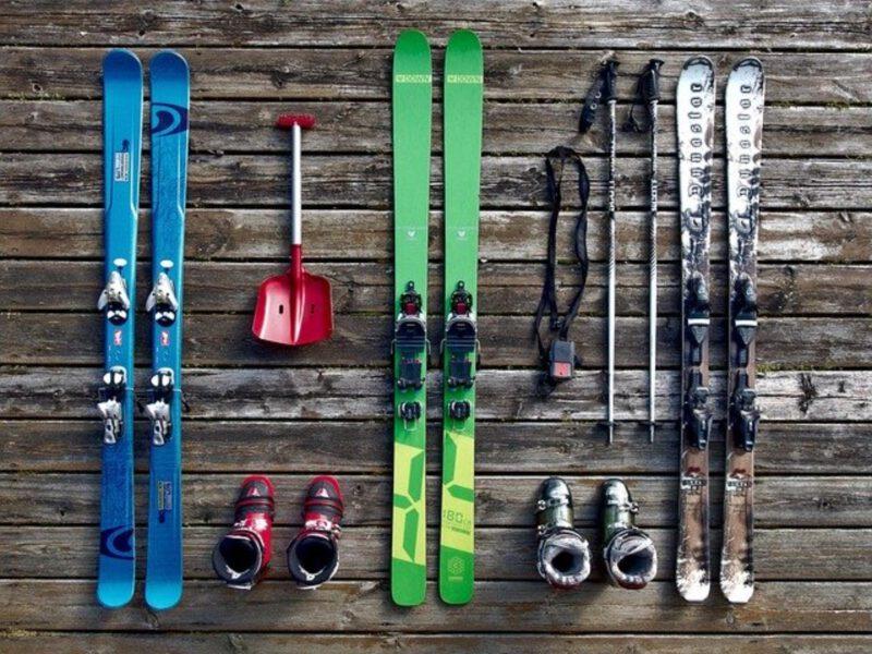 Zimą wybierz się na narty